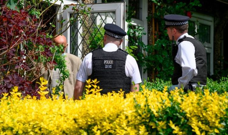 Photo of Police could spot check HOMES to ensure quarantine rules followed