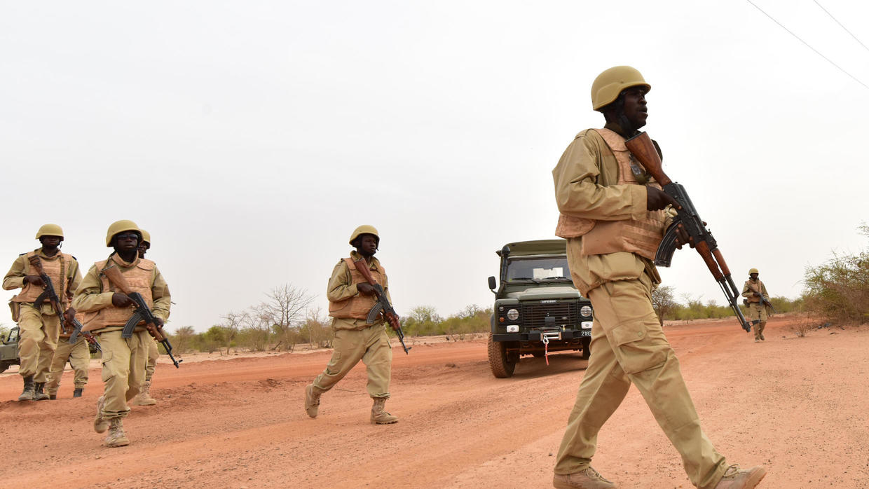 Photo of Armed terrorists stage deadly attack on convoy of traders in Burkina Faso