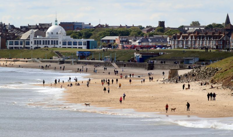 Photo of UK seaside resorts in lockdown hope to salvage a summer