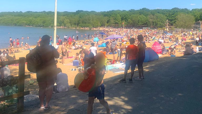 Photo of 'Use common sense': Beaches and parks packed on hot Bank Holiday Monday