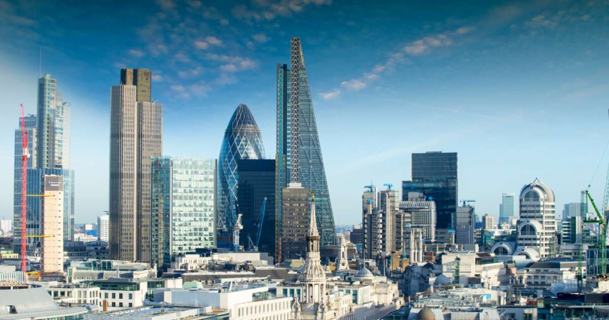 Photo of FTSE 100 closes in positive territory but still below 6,000 as health fears put dampener on stocks