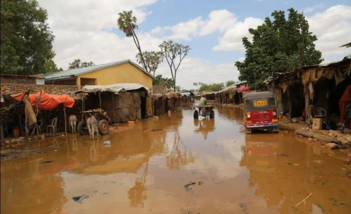 Photo of Tens of thousands forced out of school by floods in Sub-Saharan Africa