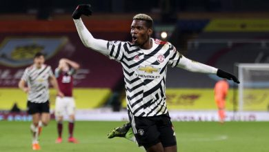 Photo of Manchester United go clear at top after Paul Pogba volley sees off Burnley