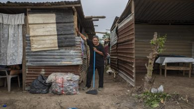 Photo of In Pictures: Desperation to migrate grows in battered Honduras