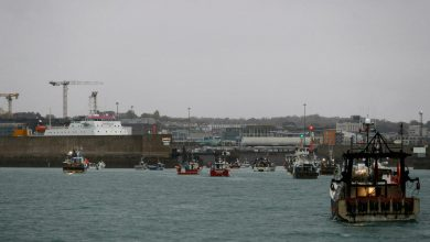 Photo of French fishermen could block British ports over Brexit dispute with Jersey, politician warns