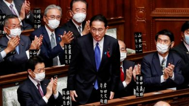 Photo of Japan's new PM dissolves lower house for Oct. 31 national election